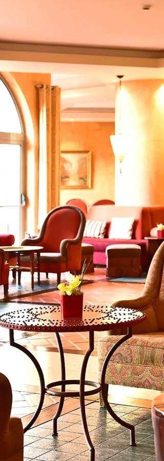 hotel-sintra-inside-bar