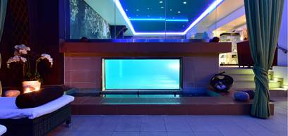 Luxury Hotel in London Indoor Pool Service