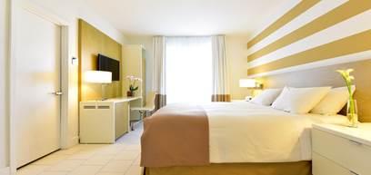 Zimmer South Beach King - Für Personen mit eingeschränkter Mobilität  Pool- oder Straßenblick