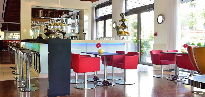 4-star-berlin-hotel-bar-restaurant