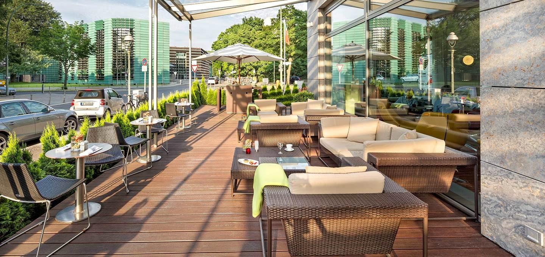 4-star-berlin-hotel-terrace