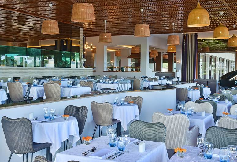 Restaurant In 5 Star Hotel In Algarve