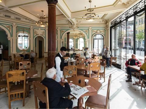 HISTORICAL CAFÉ A BRASILEIRA