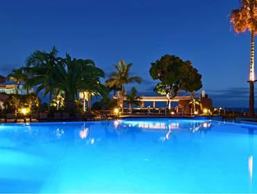 5-star-hotel-madeira-atlantic-bar