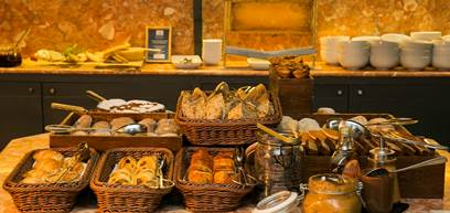 historic-hotel-lisbon-spa-breakfast