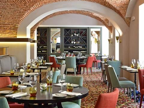 historic-hotel-lisbon-spa-rib