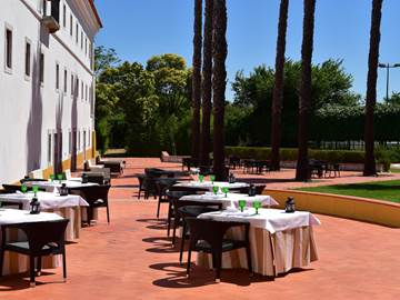 hotel-beja-pool-restaurant