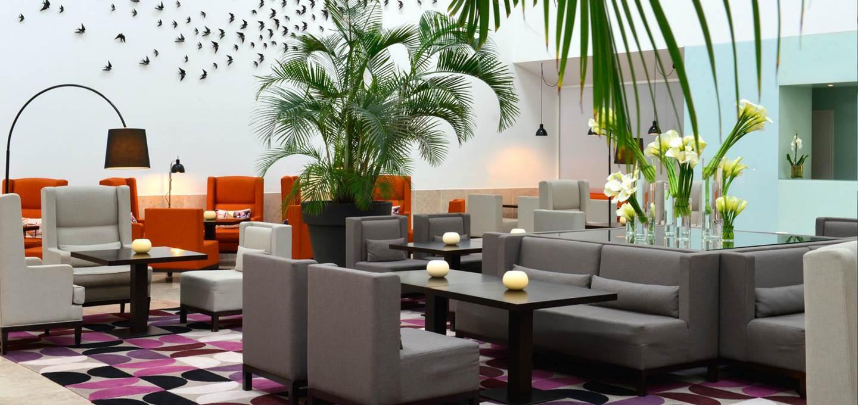 luxury-hotel-cascais-lobby-bar