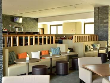 Nau Cocktail Bar